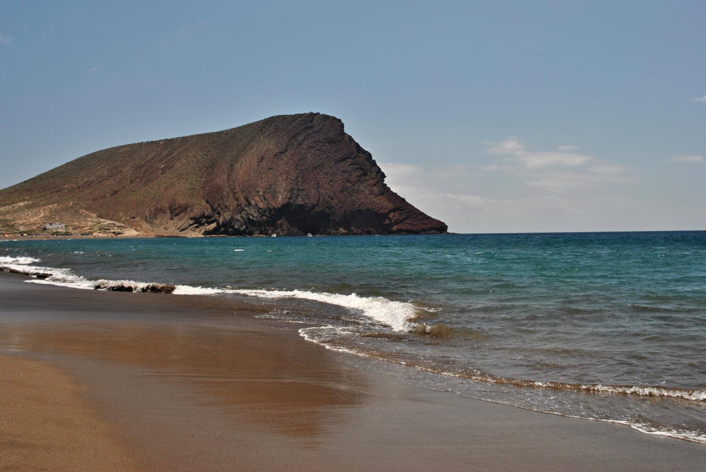 Plage de Montaña Roja, naturisme aux Canaries