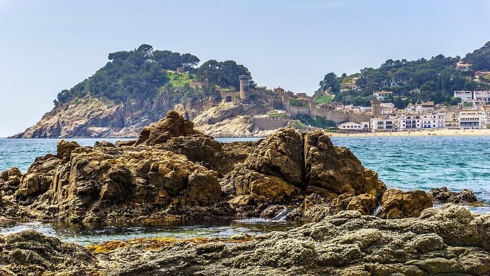 playa tossa de mar plus belles plages d'espagne