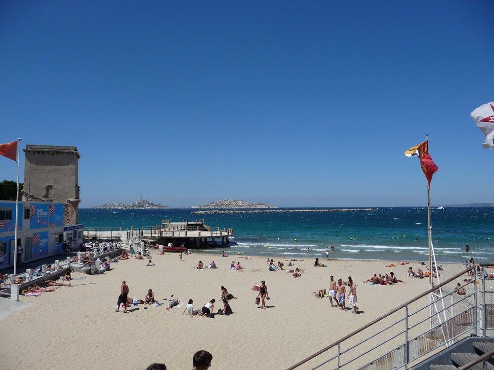 sable plage des catalans marseille