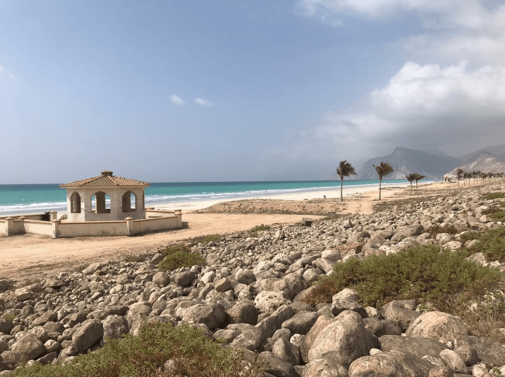 plus belles plages d'oman galets sable mer turquoise