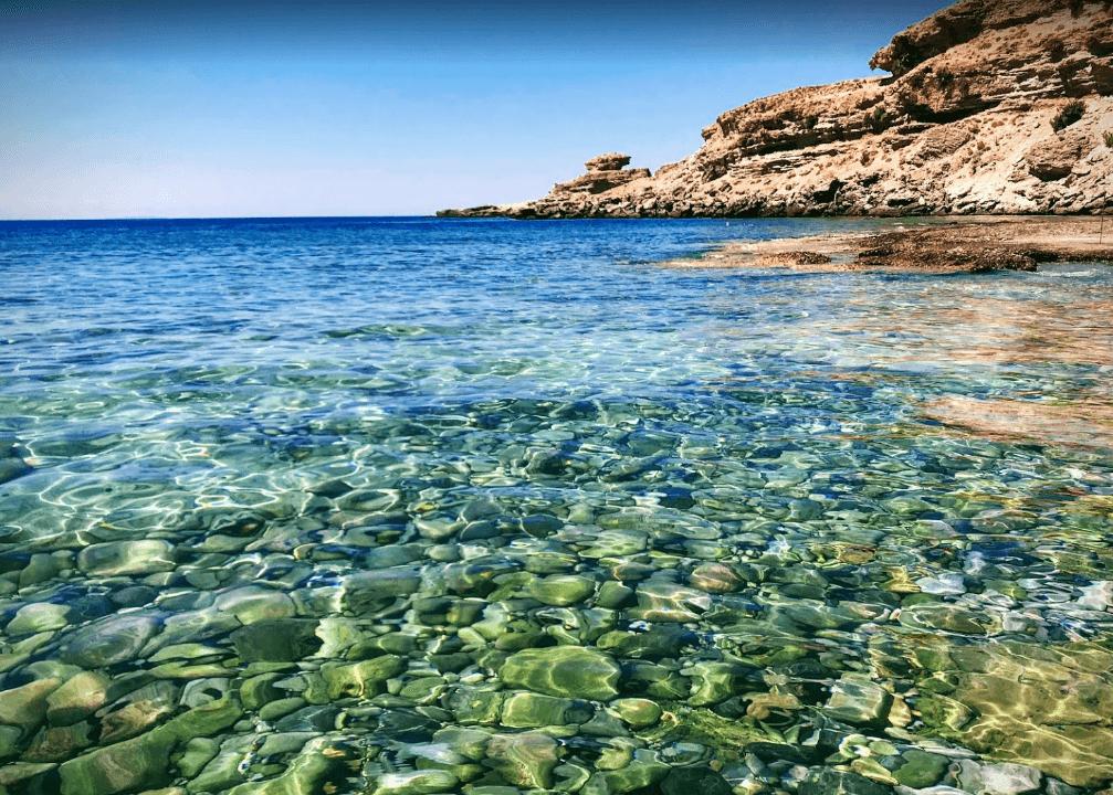 plage de filaki mer transparente naturisme en grèce