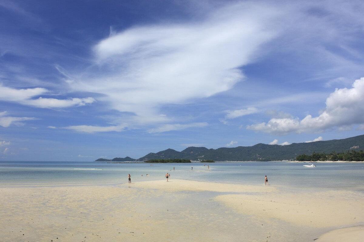 plage de chaweng sable longue etendue plages de koh samui