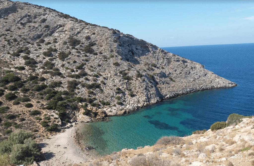 plage d'armeos naturisme en grèce