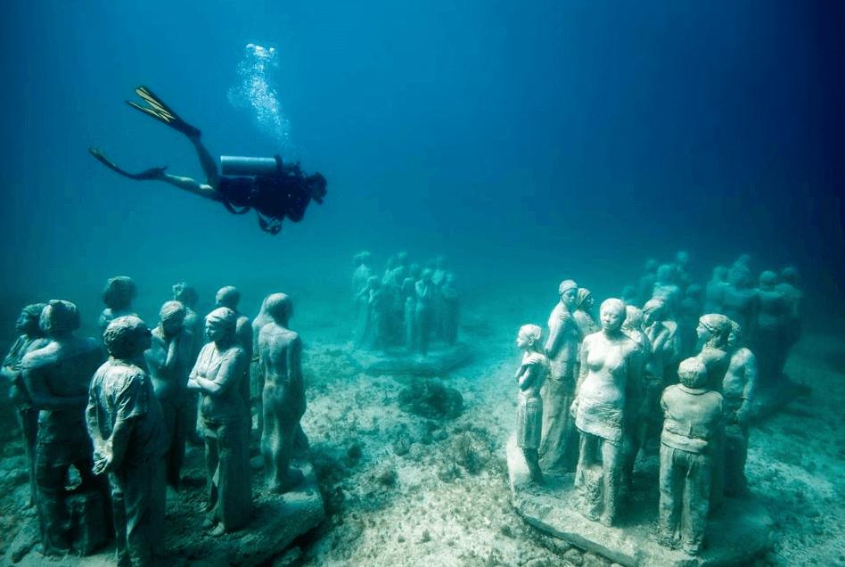 plongeur musée sous-marin de Cancun