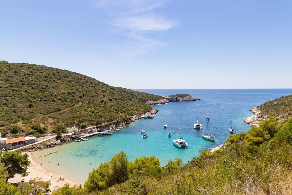 bateaux ile de bisevo porat plages de croatie
