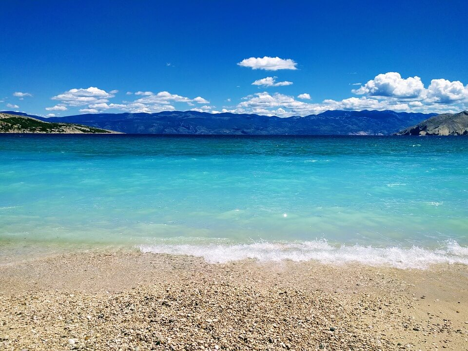 vague bleu mer montagne