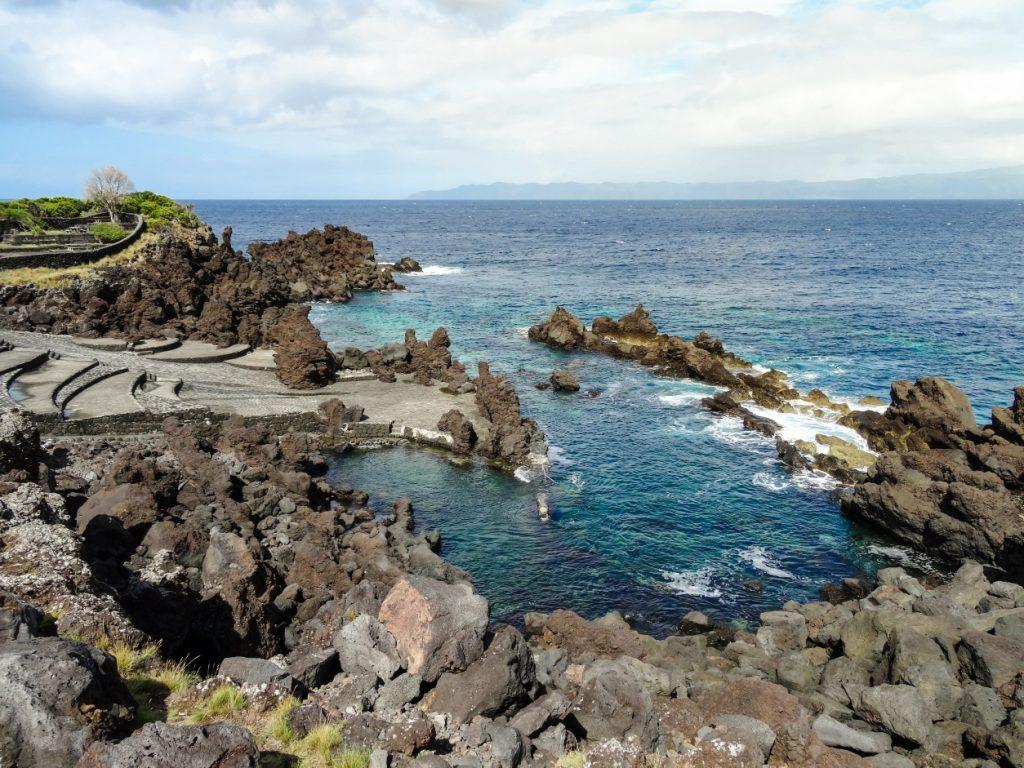 L'île de Pico est un incontournable des Açores plages, pour ses piscines naturelles.