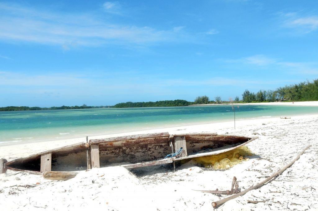 Tout au nord de l'île de Madagascar, à proximité d'Antsiranana (Diego Suarez), se trouvent la Baie des Sakalava et la plage de Ramena.