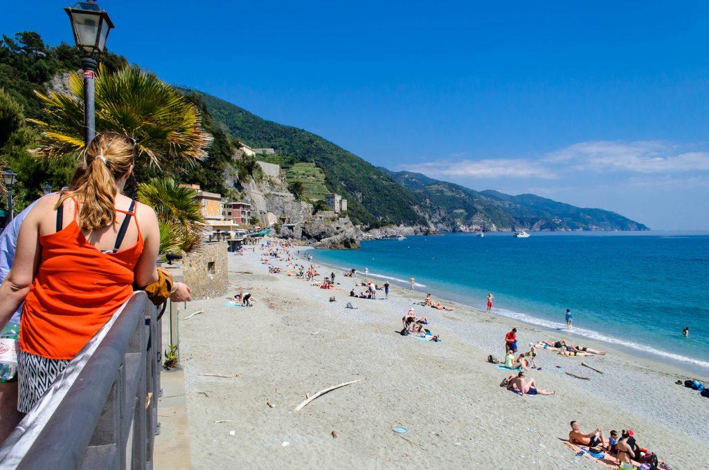 Monterosso a Mare figurant parmi les plus belles plages de l'Italie du Nord en Cinque Terre.