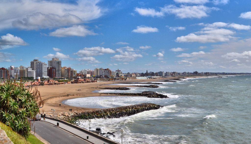 Mar del Plata est la plage en Argentine à ne pas rater si vous aimez le bain de foule.