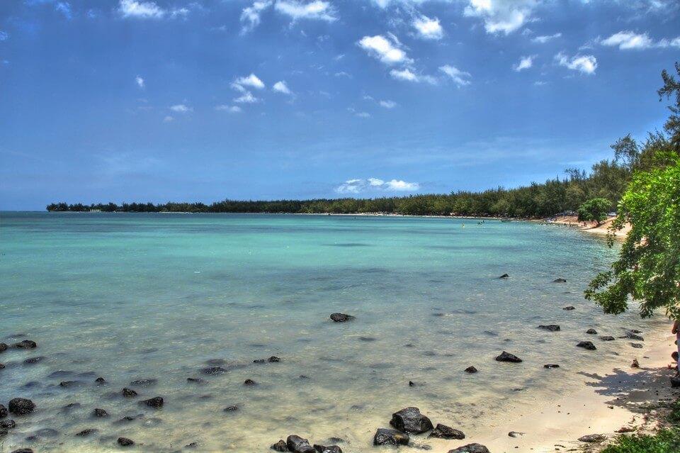 plage mont choisy filaos plages de l'île Maurice