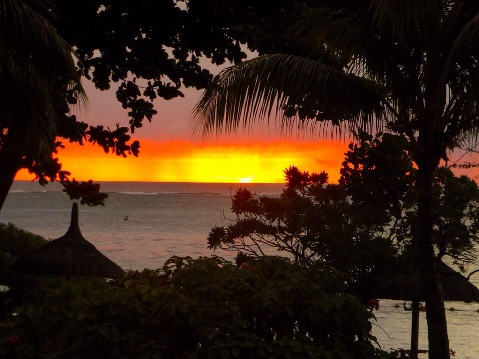 coucher de soleil plage de Trou aux Biches île Maurice