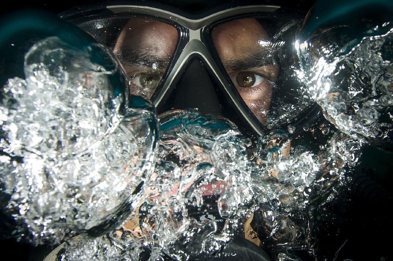plongeur masque bulles portrait plongée à l'île Maurice